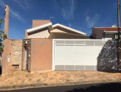 Casa para venda 158m² com 3 quartos em Dracena-SP