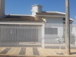 Casa para venda 195m² com 3 quartos em Dracena-SP