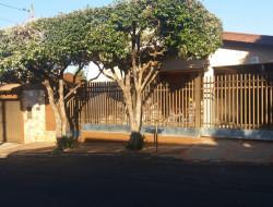 Casa para venda 325m² com 3 quartos em Dracena-SP