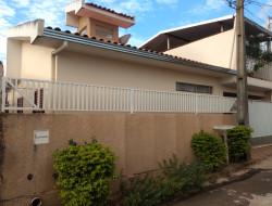 Casa para venda 200m² com 3 quartos em Dracena-SP